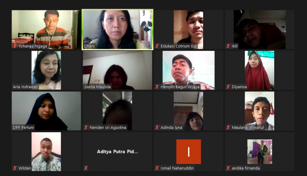 screenshot foto peserta content writing training via Zoom